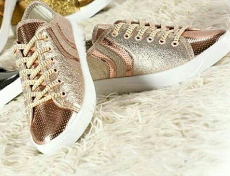 کفش طلایی اسپورت